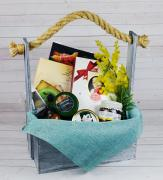 Gift baskets for women on March 8